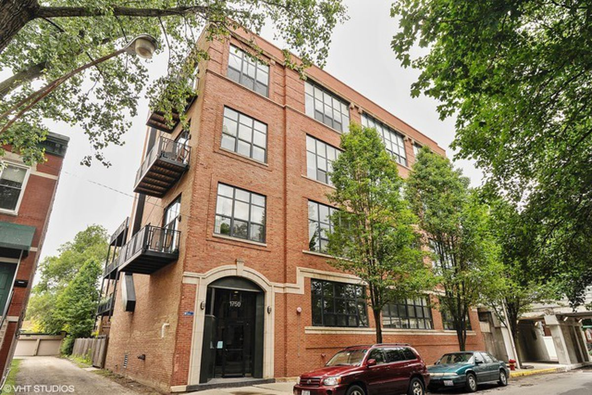 Two Bed Two Bath Timber Loft Against 606 Trail Wants