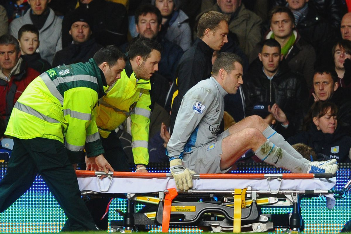 Apparently this is a stretcher that is not allowed to go on grass.
