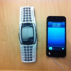 "The ""Nokia Spaceship"" next to the iPhone 5"