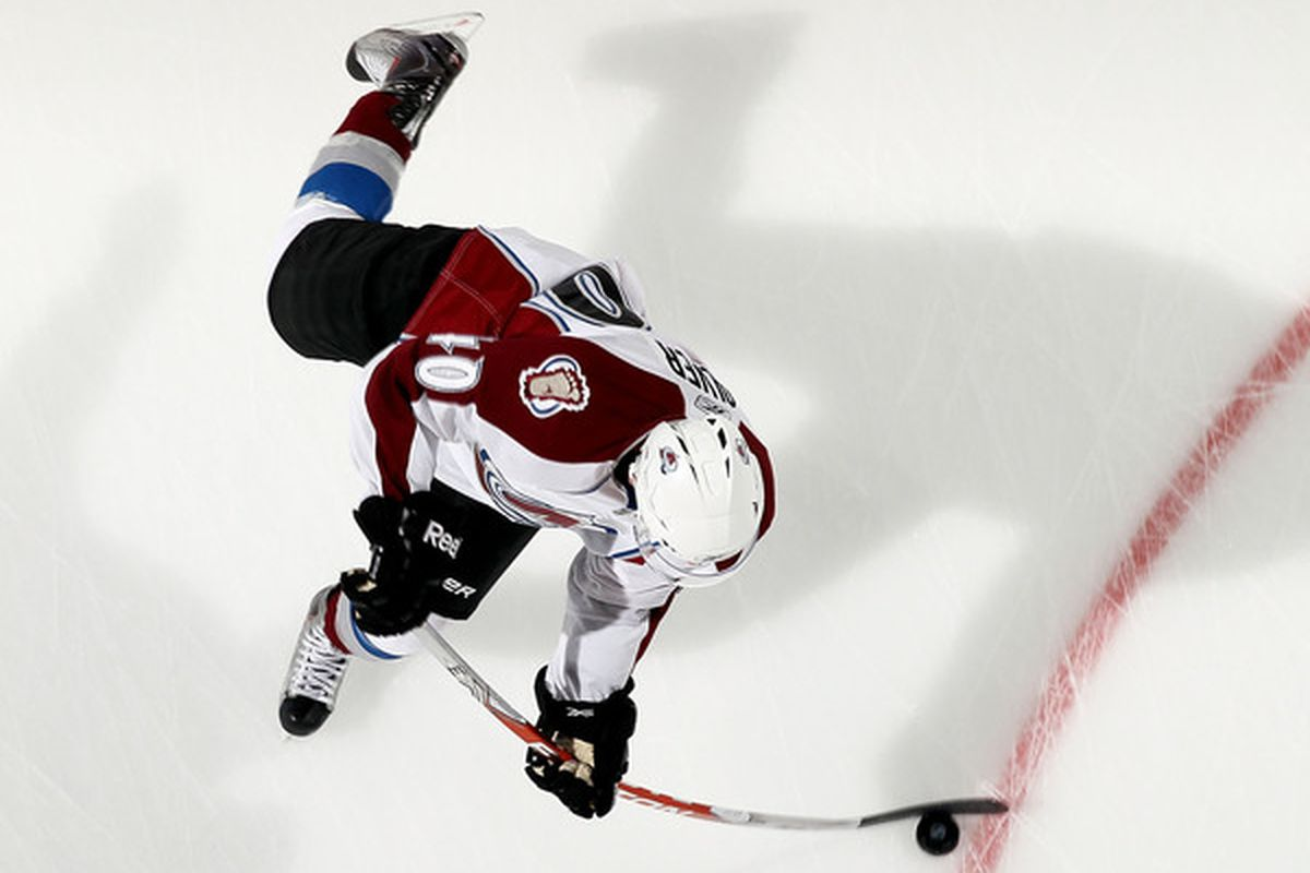 UNIONDALE NY - OCTOBER 16:  Mark Olver #40 of the Colorado Avalanche is a total and complete bad ass.  (Photo by Jim McIsaac/Getty Images)