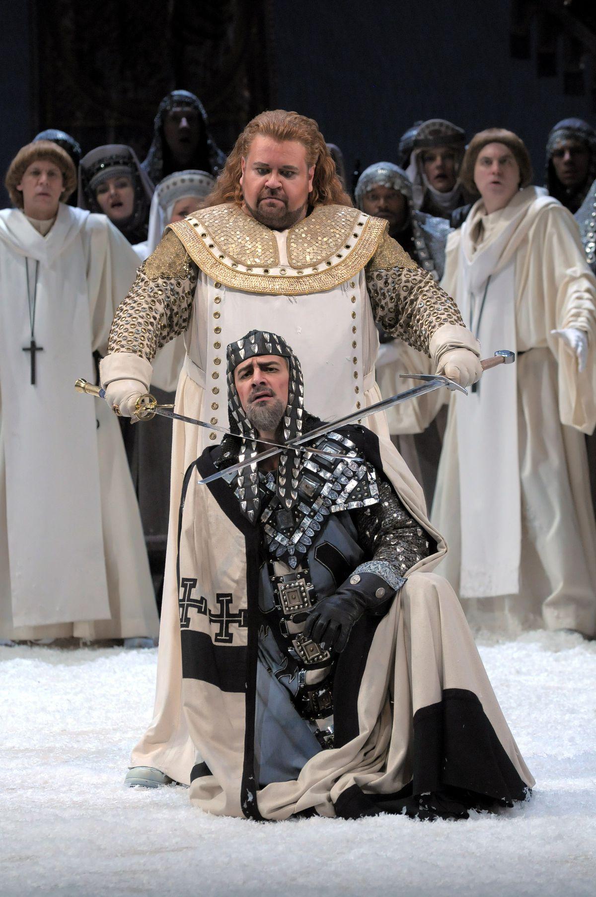 "Johan Botha and Greer Grimsley in ""Lohengrin"" at Lyric Opera.   COPYRIGHT DAN REST"