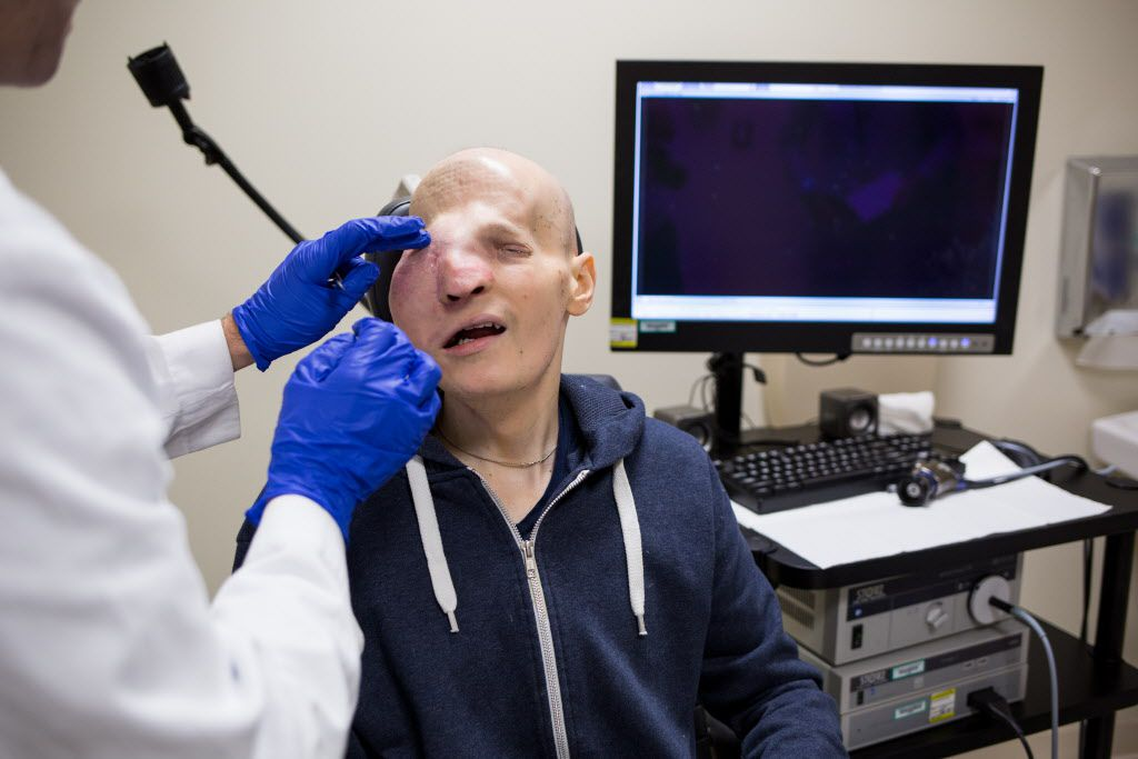 Greg Fusco, shortly before his surgery last month at Rush University Medical Center. The cancerous tumor that had been making it difficult for him to eat and breathe has now been largely removed.   Lou Foglia / Sun-Times
