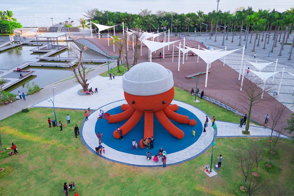Florentijn Hofman Designs A Giant Octopus Playground For