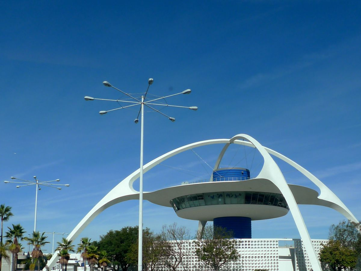 Googie an introduction to socal 39 s signature architectural for Southern california architecture firms