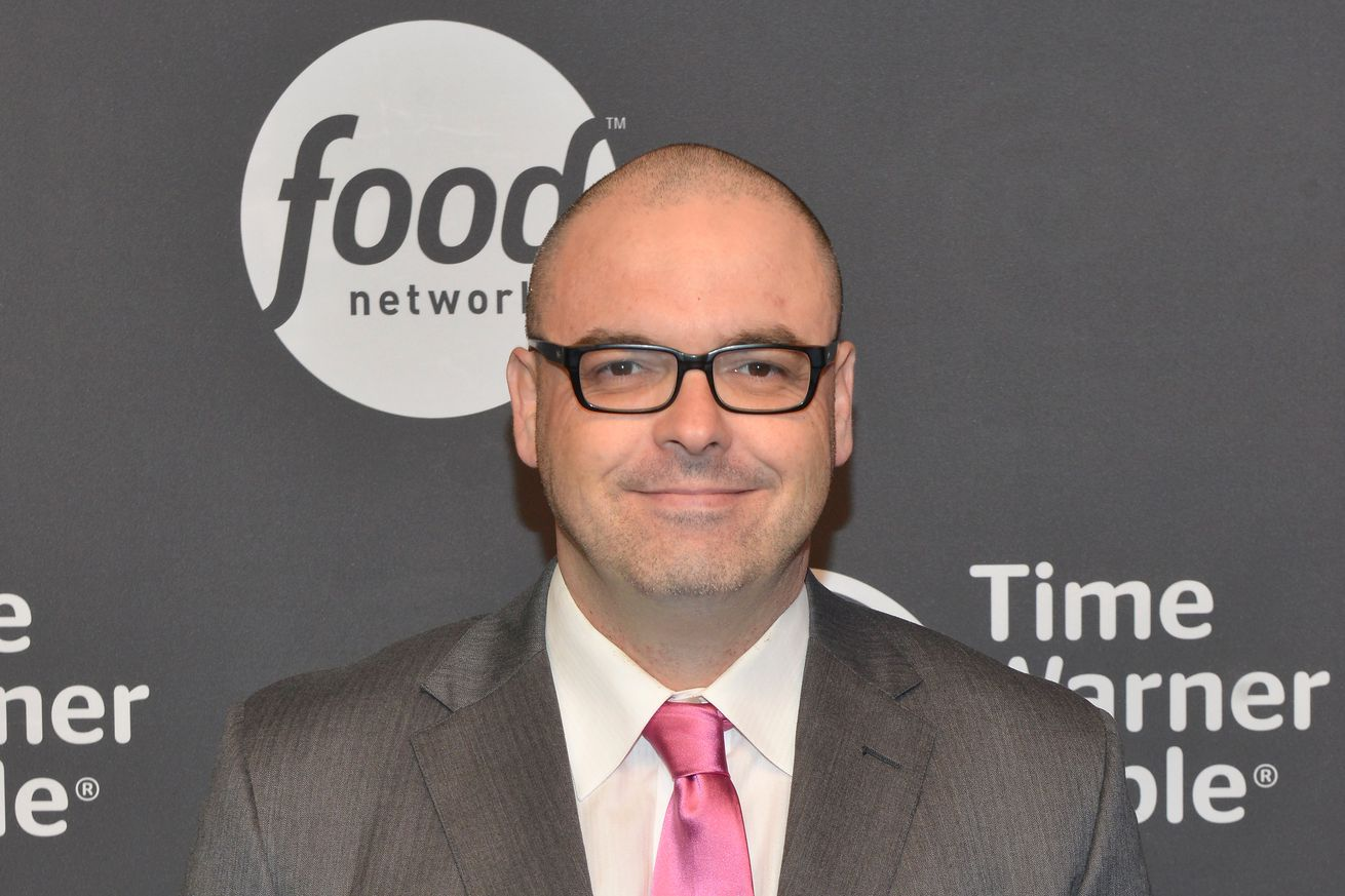 community news, Mauro Ranallo leads Showtime's broadcast team for 'Mayweather vs. McGregor'