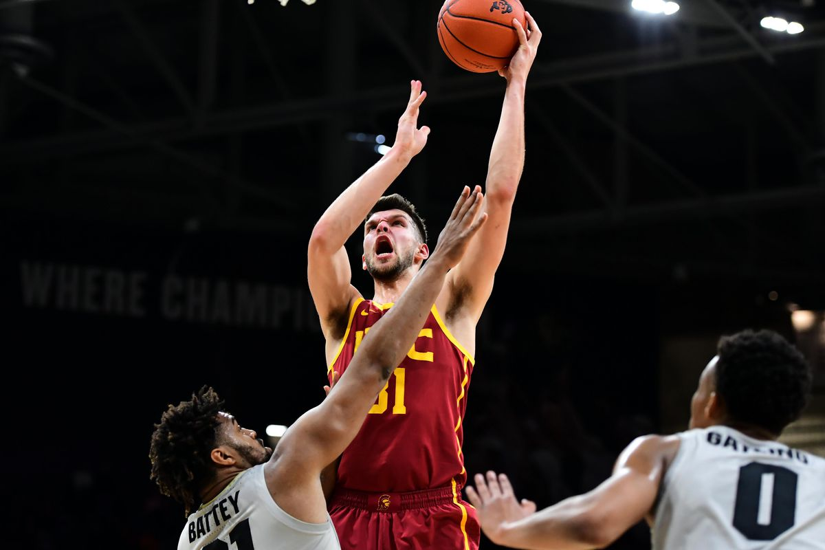 Arizona vs  USC: Expert previews the Trojans, makes a score