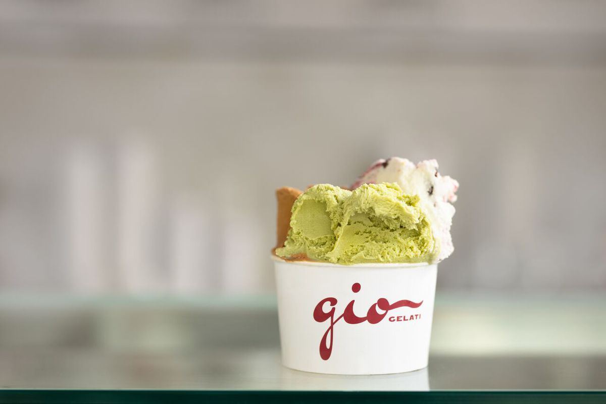 A cup of green pistachio gelato