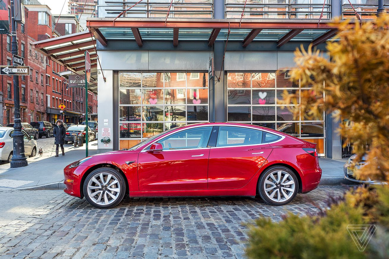 tesla lost its chief engineer just before hitting elon musk s model 3 goal