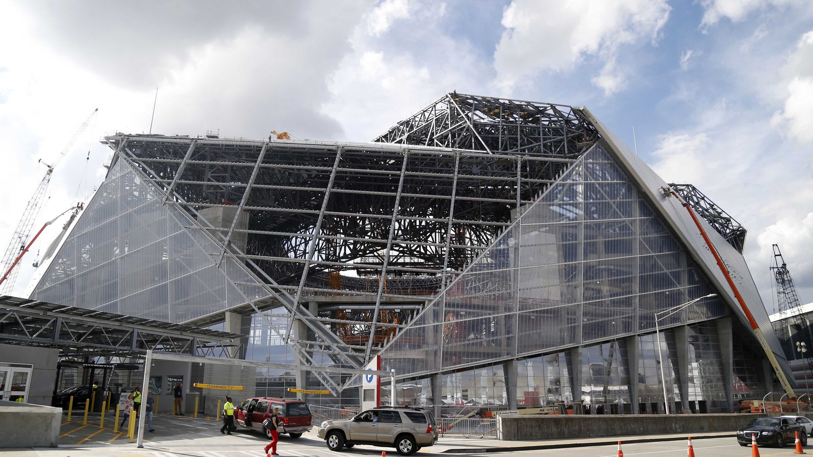 New Atlanta Falcons Stadium S Roof Has Some Issues