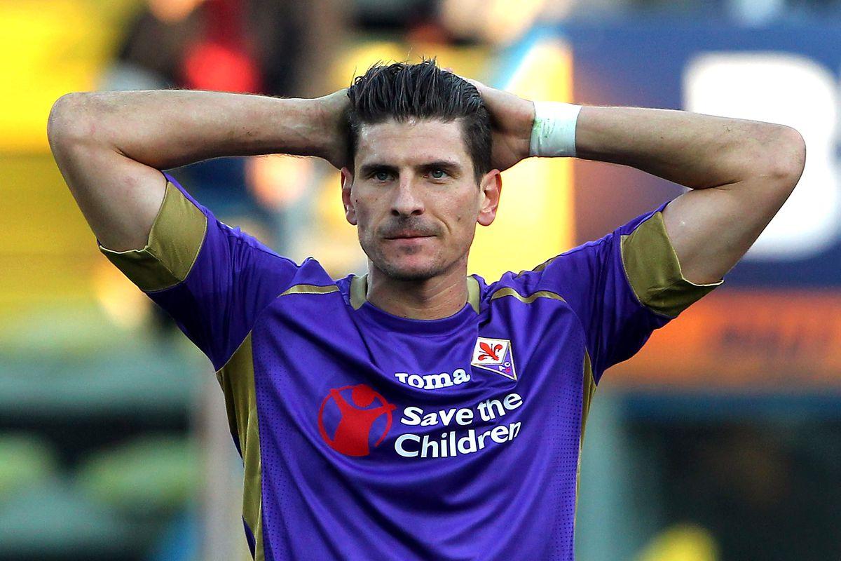 Are Roma Really Considering A Mattia Destro For Mario Gomez Swap Chiesa Di Totti