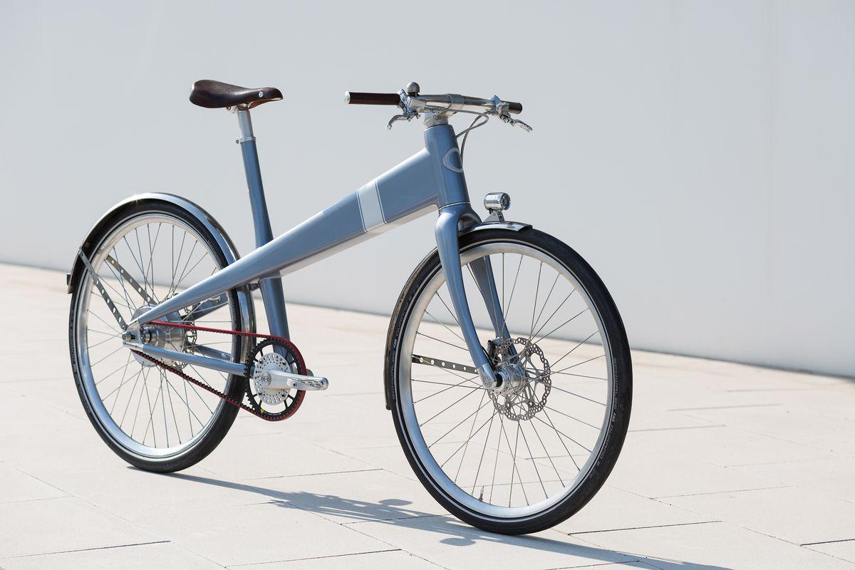 electric bike coleen is based on a 1941 jean prouv design. Black Bedroom Furniture Sets. Home Design Ideas