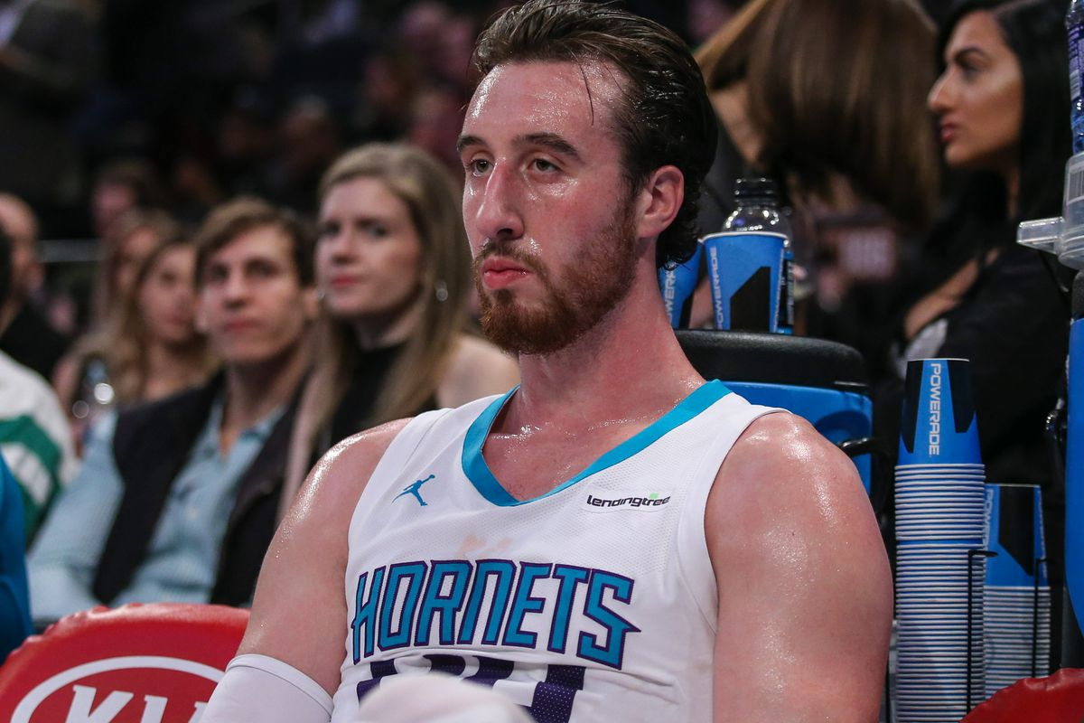 bdd229a85 The love-hate relationship of Frank Kaminsky - At The Hive