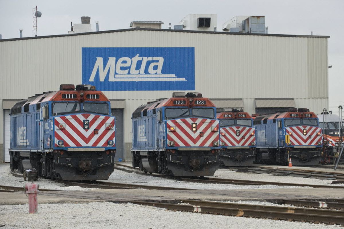 Woman struck, killed by Metra train in Arlington Heights: authorities