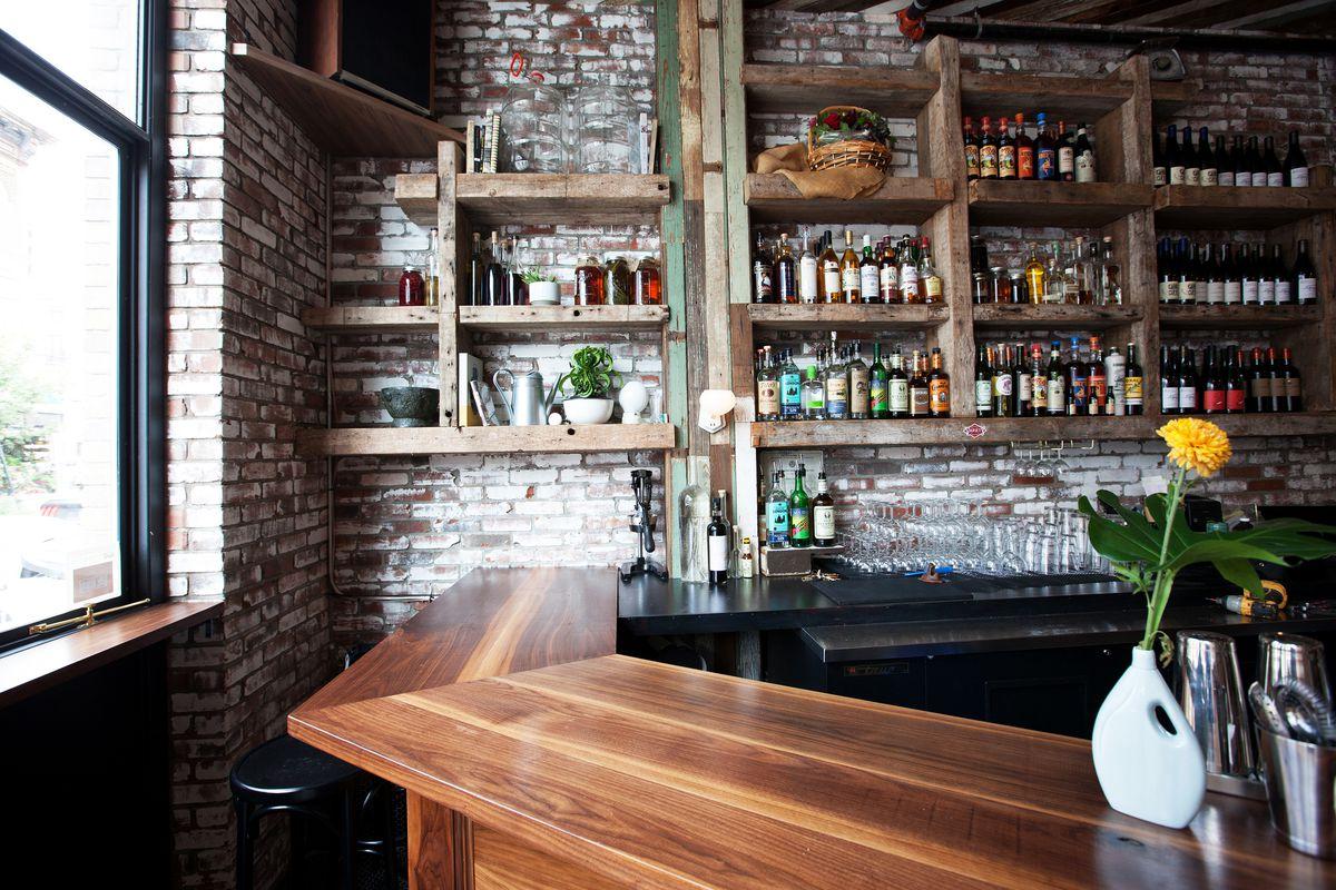 The bar at Ops