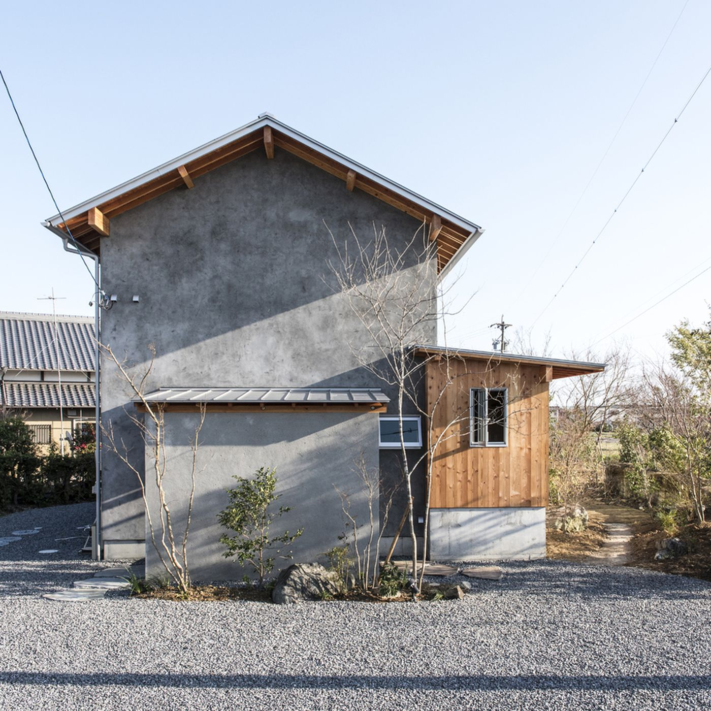 Japanese House Embraces Indoor Outdoor Living Curbed