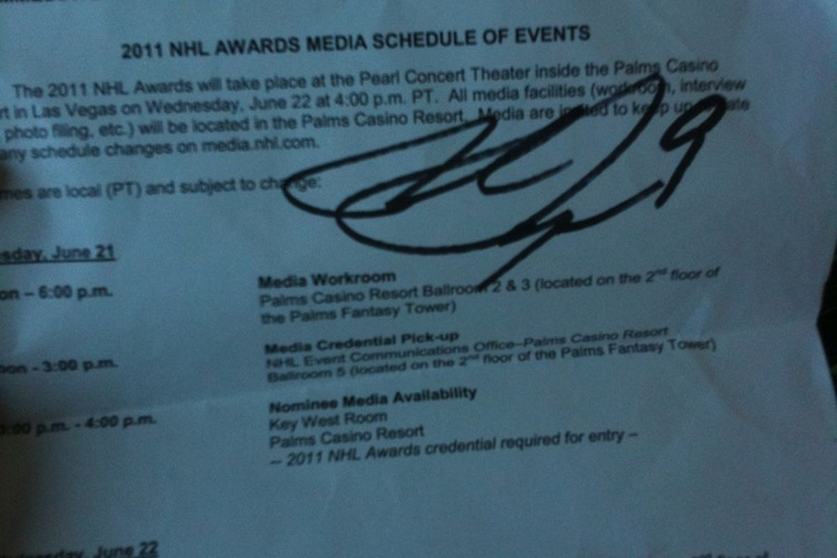 Oooh. Bobby Ryan's autograph from a totally unrelated event.