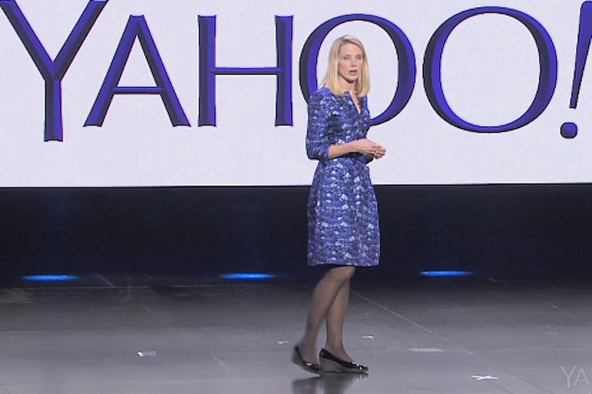 Yahoo Board, Sticking by Mayer, to Decide on Spinoff by End of Weekend