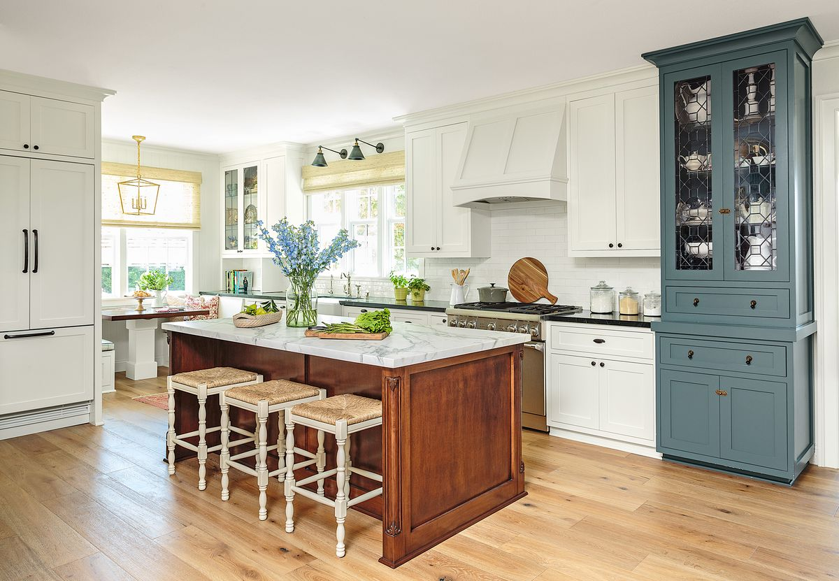Cape Cod-style house remodel in Los Angeles, CA, kitchen