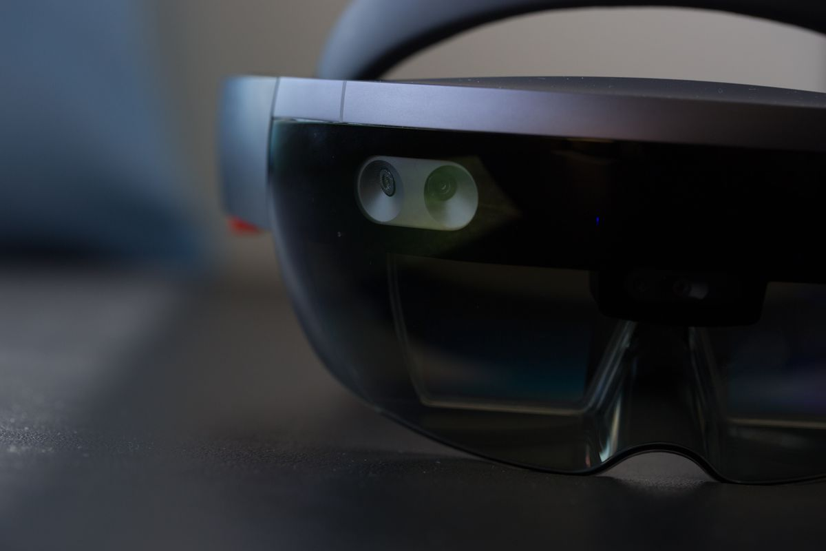 Microsoft HoloLens 2 will have a custom AI chip