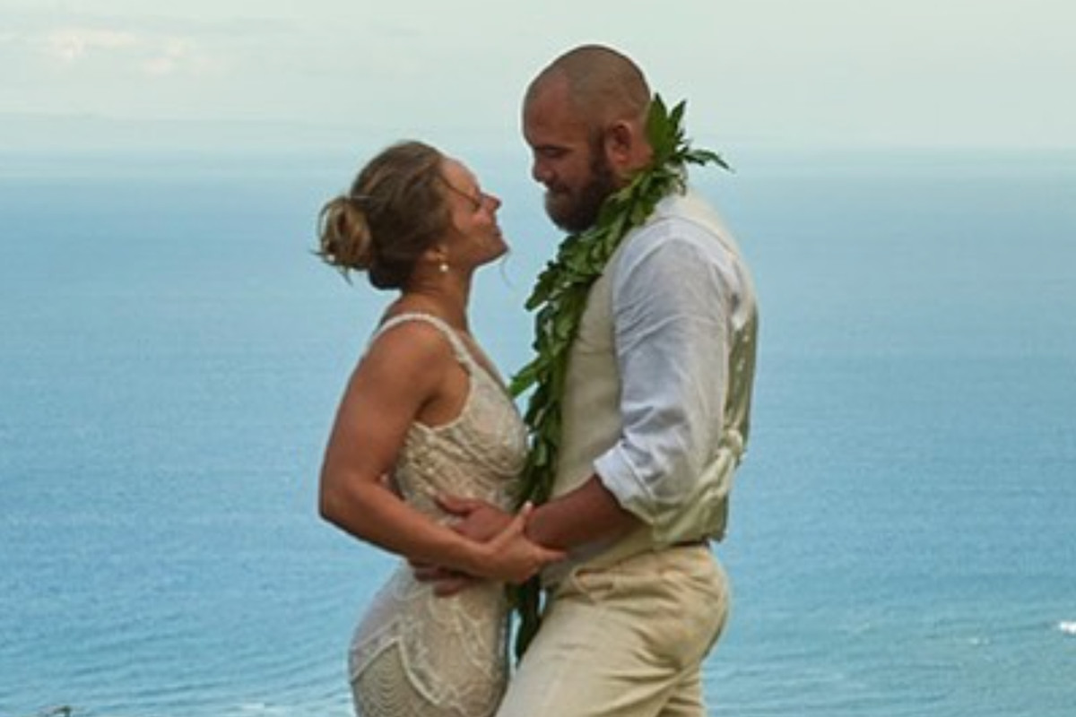 Rousey Releases New Photo Gallery Of Hawaiian Wedding