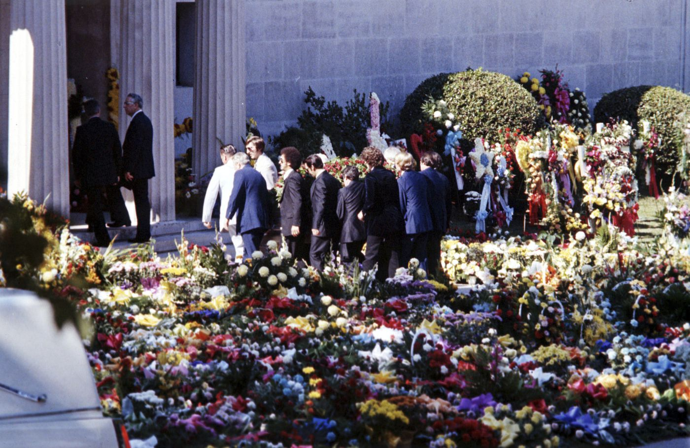 Funerals For Iconic Singers From Elvis Presley To Michael