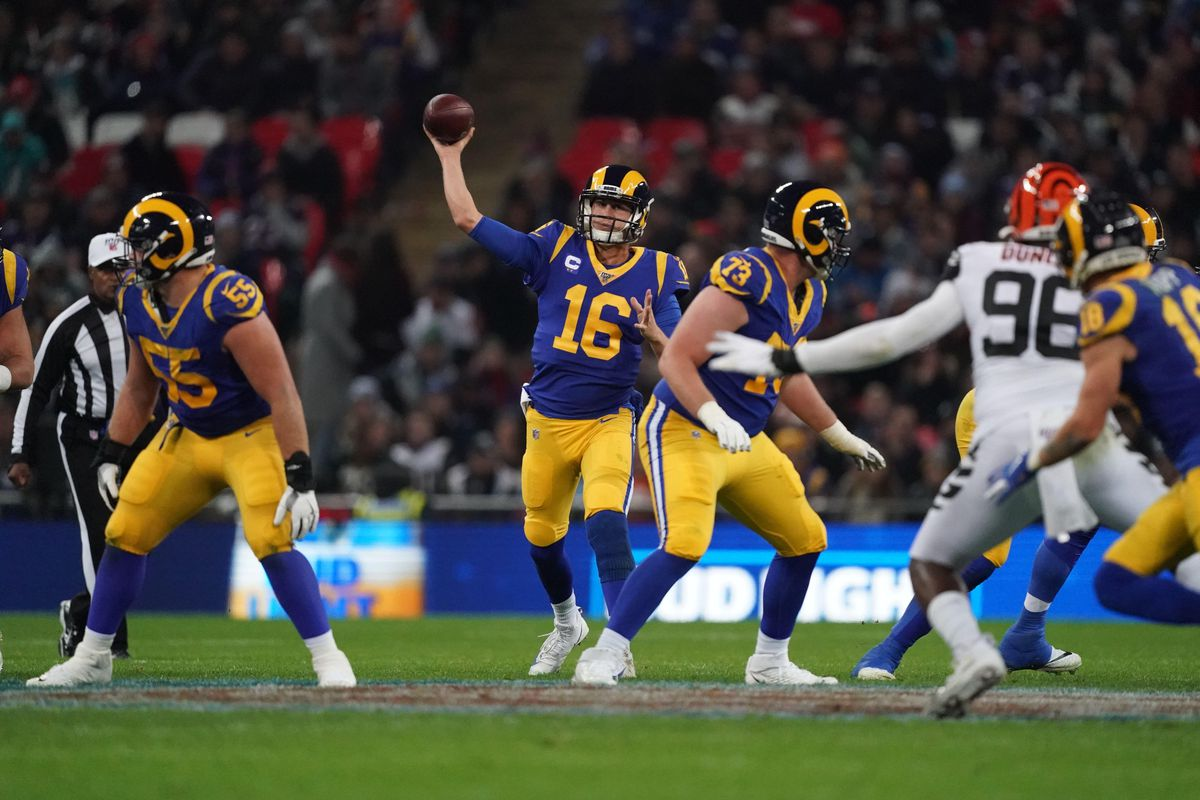 Los Angeles Rams QB Jared Goff throws the ball against the Cincinnati Bengals in Week 8, Oct. 27, 2019.