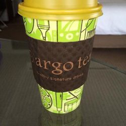 """Since we didn't quite indulge to the point of discomfort, we might pop into <a href=""""http://www.argotea.com/"""">Argo Tea</a> [16 West Randolph Street] and top ourselves off. (Well, myself at least.) I'm obsessed with the earl grey tea here. I think there ar"""