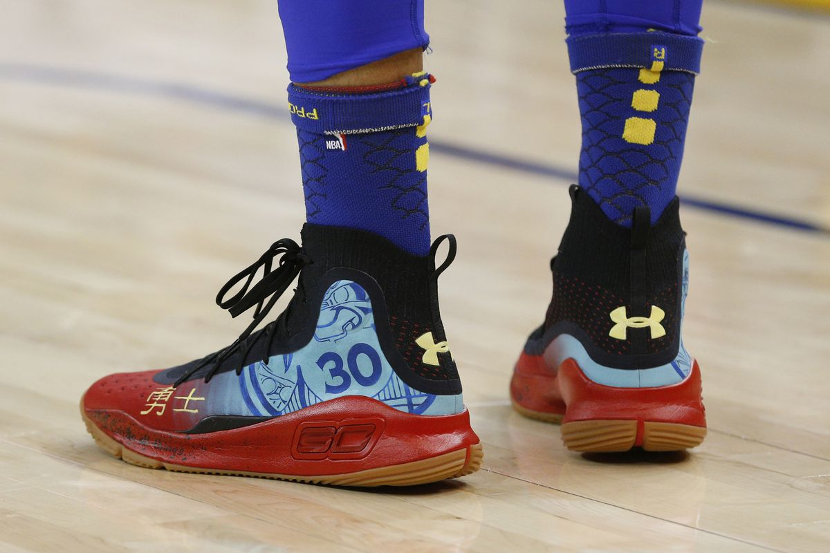 the best attitude 9936d 1ffb5 Steph Curry gives unreleased Under Armour Curry 5s to UMBC ...