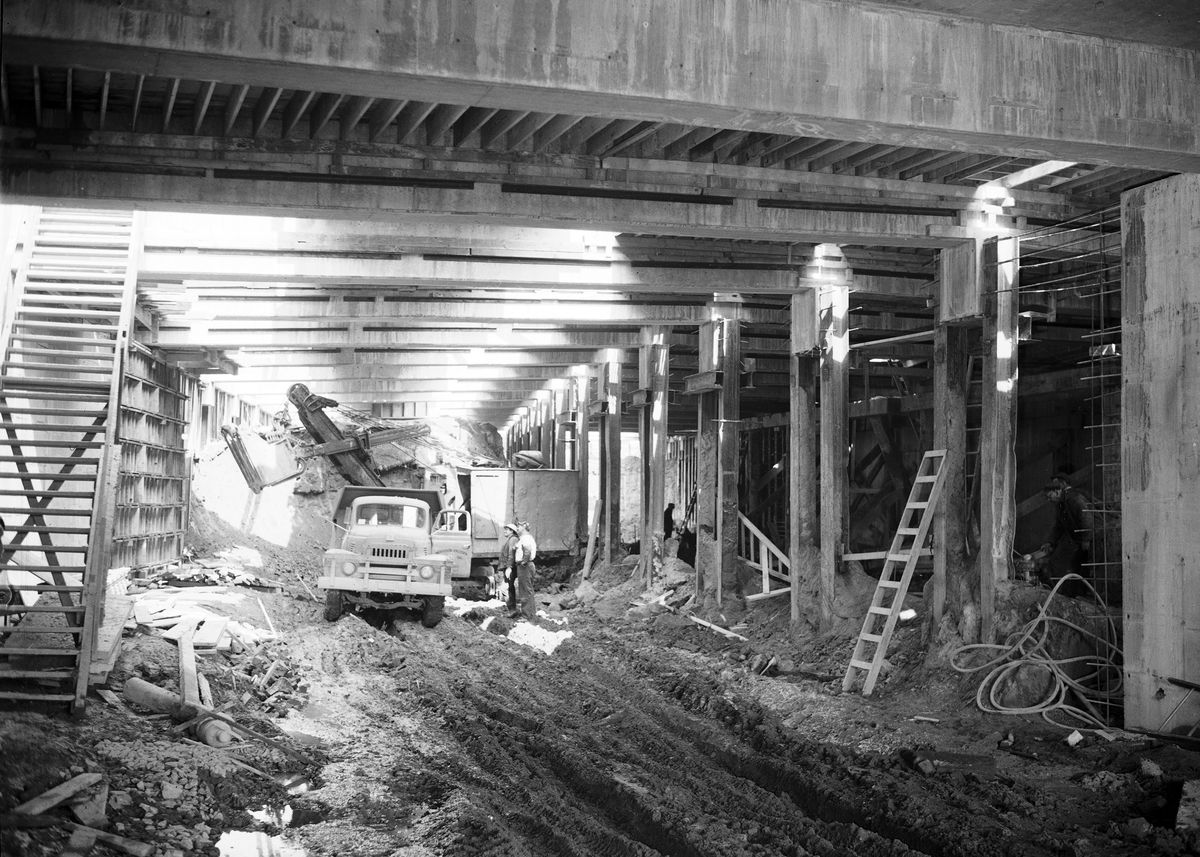 Construction taking place at the Battery Street Tunnel in Seattle. This is an old black and white photograph.