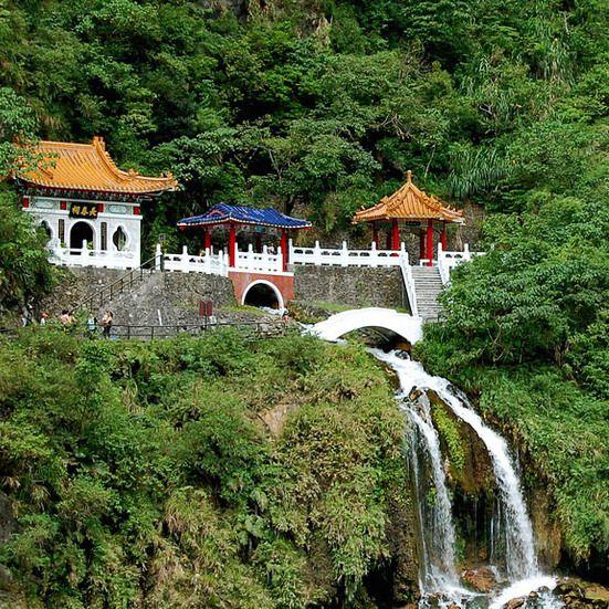 taiwan-shrine