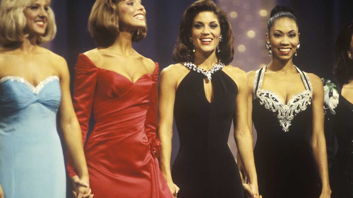 A Look Back at the Sexist, Racist History of Beauty Pageants - Racked