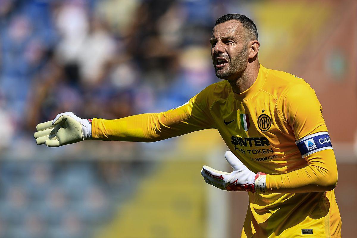 Samir Handanovic of FC Internazionale gestures during the...