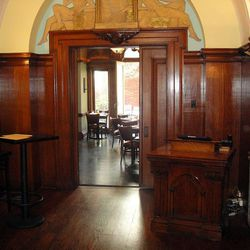Entrance to Rittenhouse Tavern