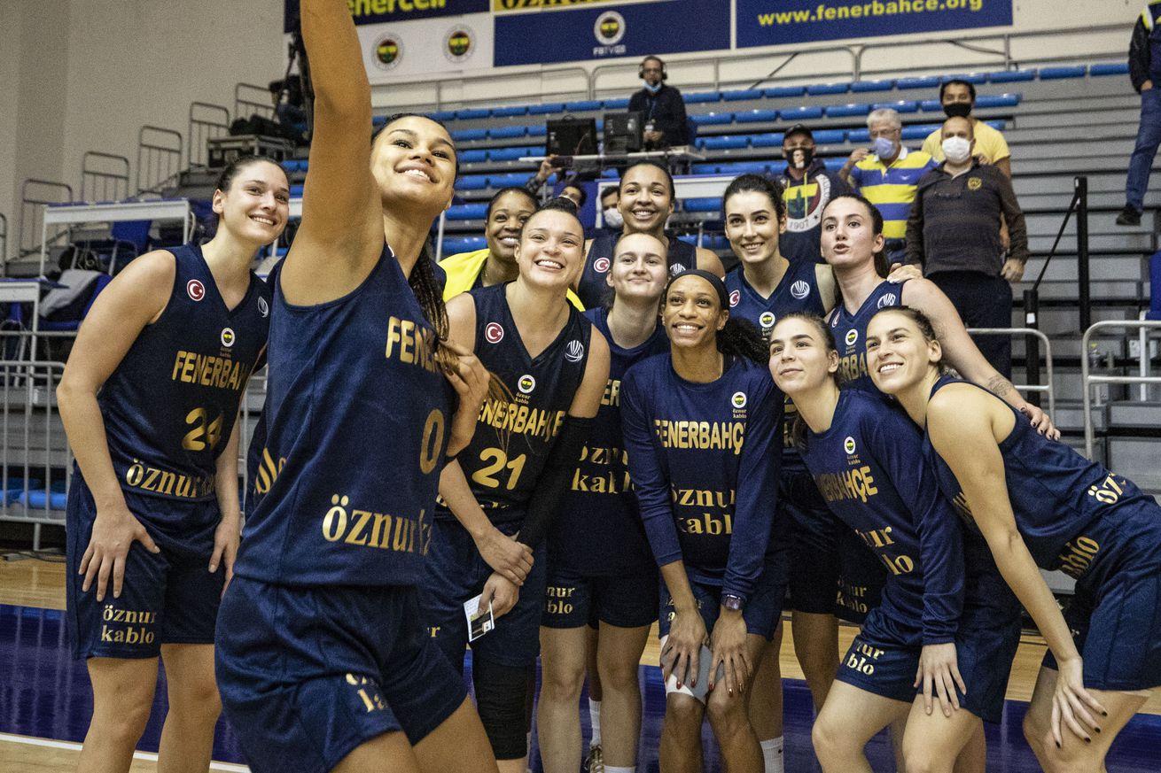 Fenerbahce Oznur Kablo v Arka Gdynia - FIBA EuroLeague Women