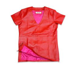 Leather V-Neck tee with the brand's signature pink lining
