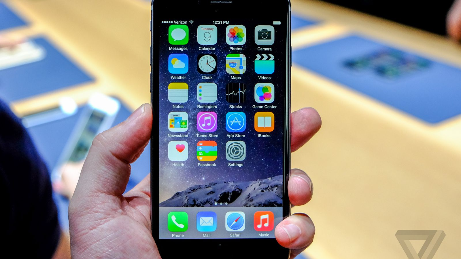 apple sold a record 4 million iphones in 24 hours the verge. Black Bedroom Furniture Sets. Home Design Ideas