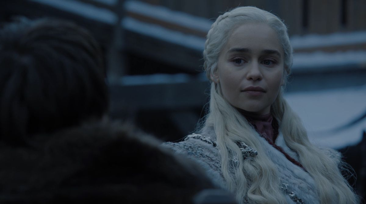 Game of Thrones S08E01 Dany at Winterfell welcome party