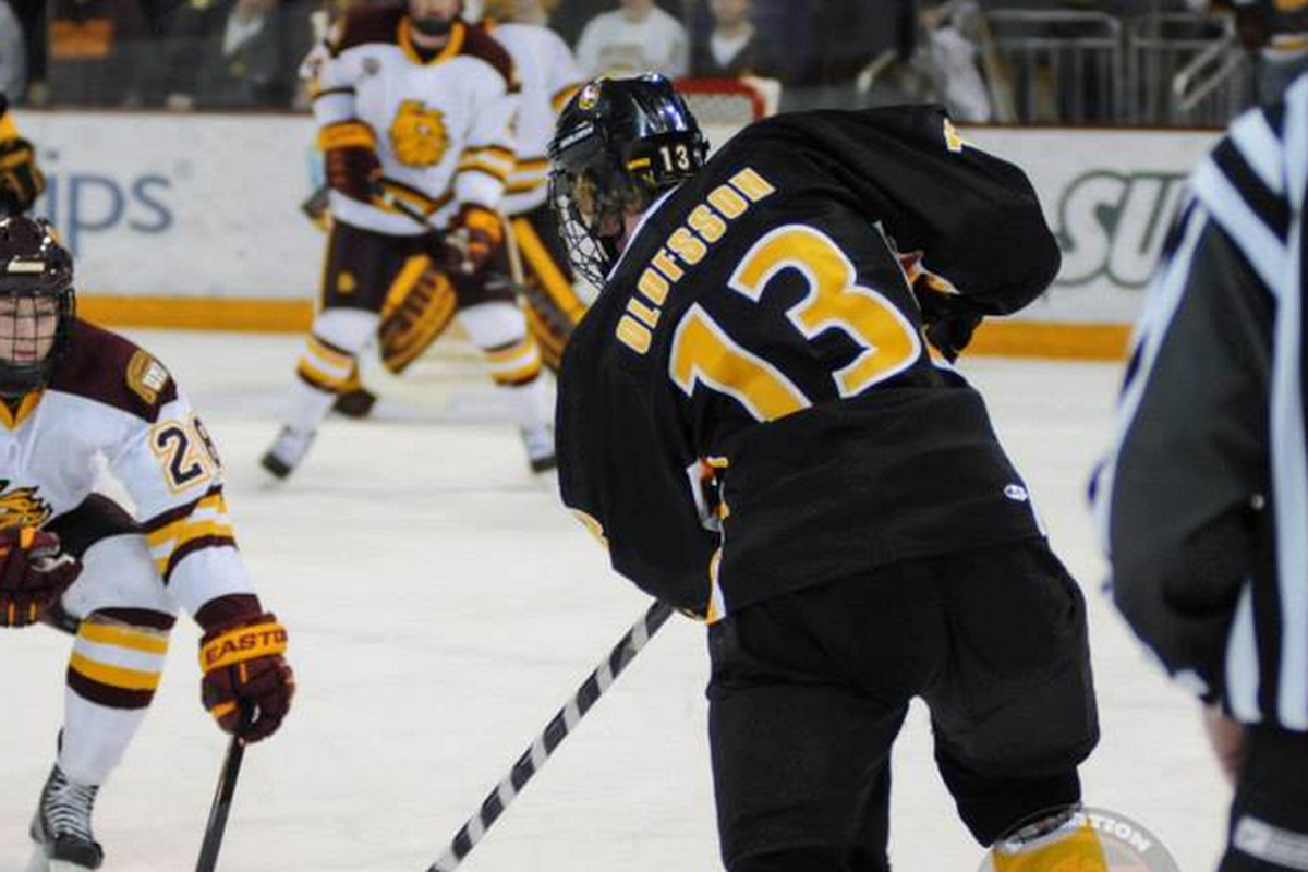 The younger Olofsson won't follow his brother's footsteps to Colorado College, but will stay in the NCHC