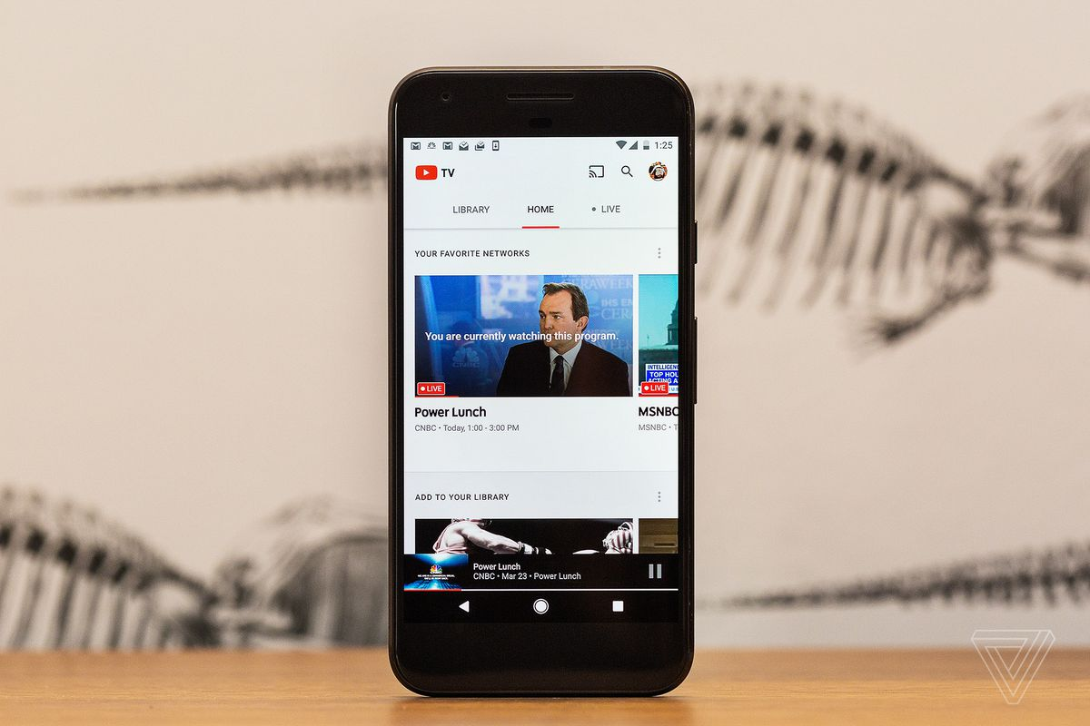 Youtube testing picture in picture mode for android users without photo by james bareham the verge solutioingenieria Gallery