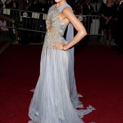 Camilla Belle in Jean Paul Gaultier Haute Couture in 2007.