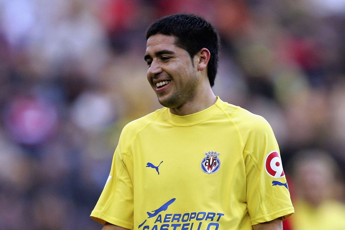 A rare picture of a smiling Riquelme!  Jan 2006 v Osasuna