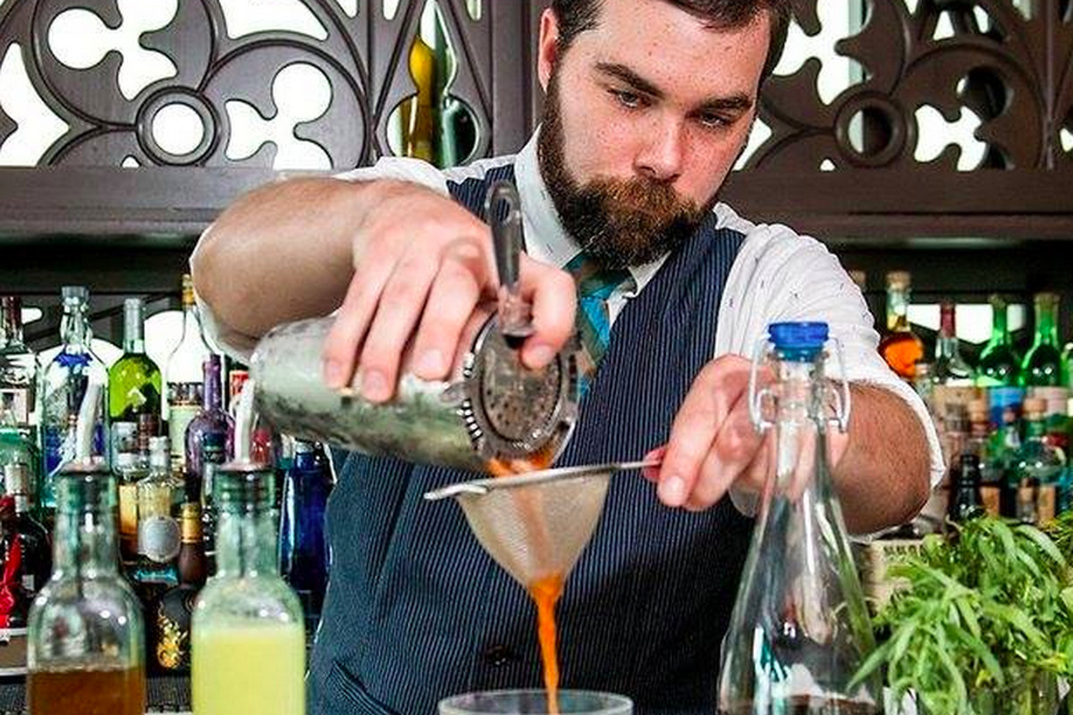Cocktails abound at Shaker + Spear