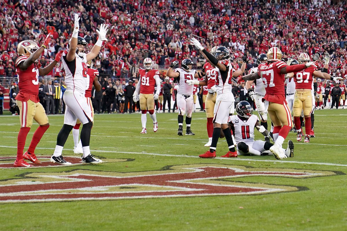 Wide receiver Julio Jones of the Atlanta Falcons and team celebrate the fourth quarter touchdown over the San Francisco 49ers at Levi's Stadium on December 15, 2019 in Santa Clara, California.