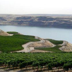 Columbia Valley AVA [Source: Washington State Wine Commission]