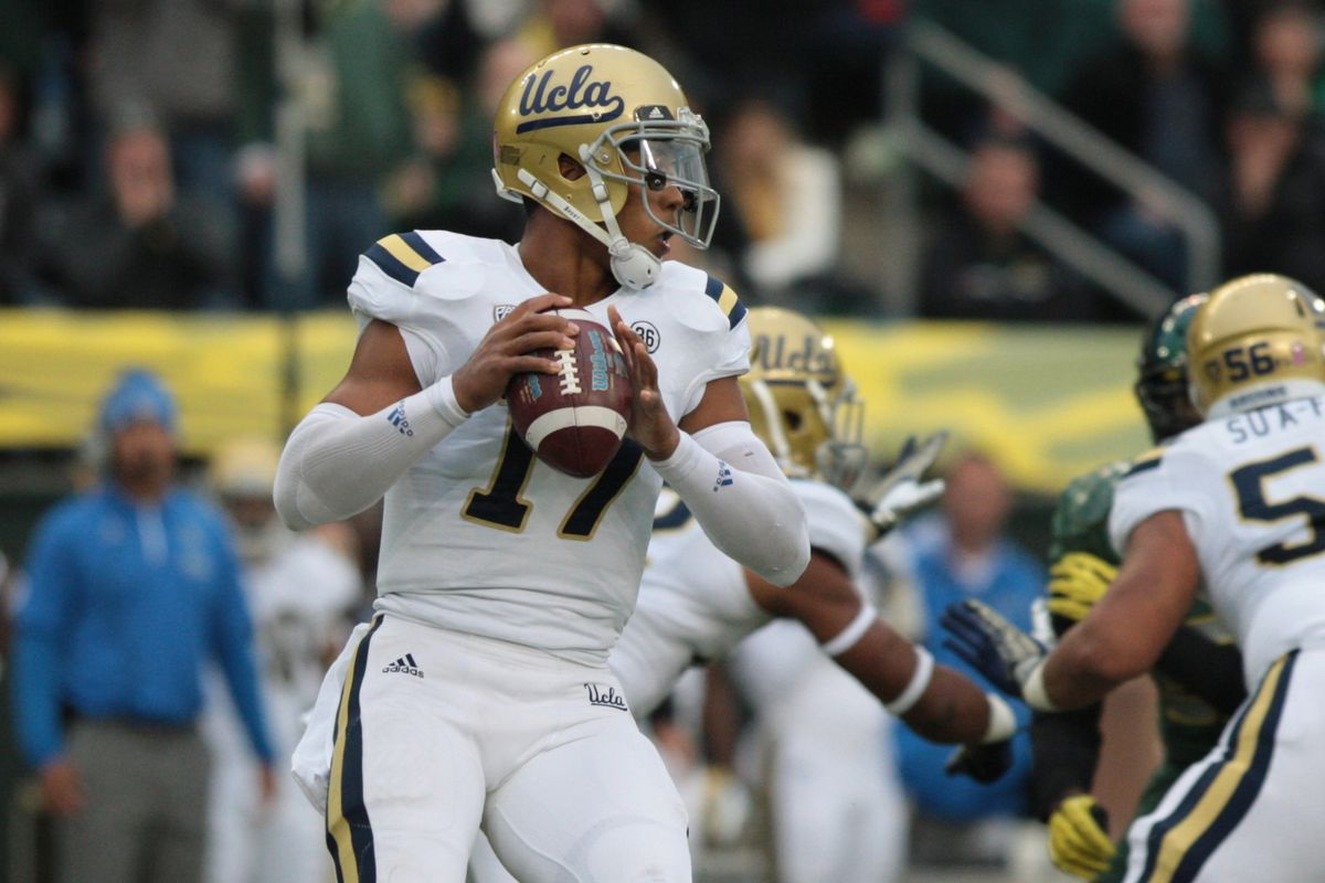 Sorry Brett, you have no shot at a Heisman in this vanilla offense.  You've been #Mazzoned.