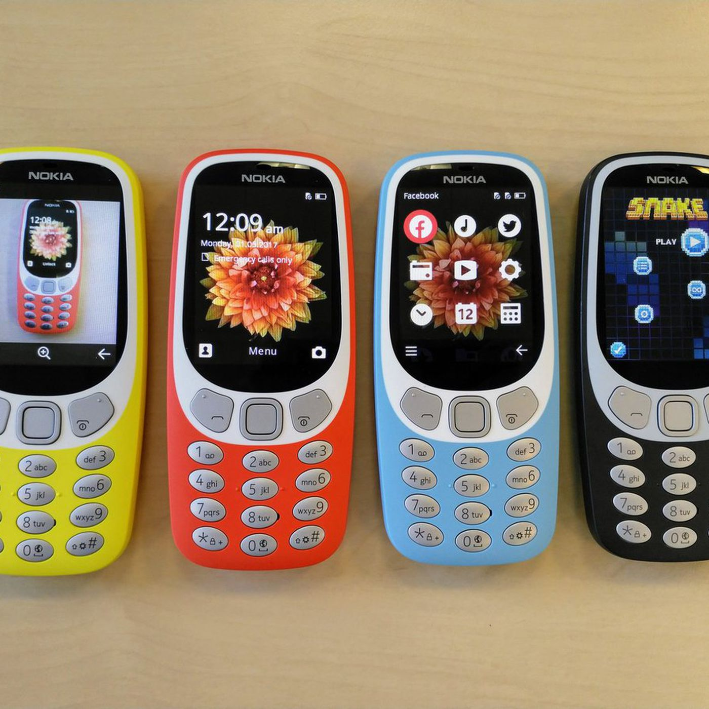 The retro Nokia 3310 now comes with 3G and works in the US - The Verge