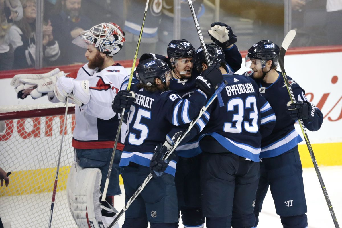 NHL: Washington Capitals at Winnipeg Jets