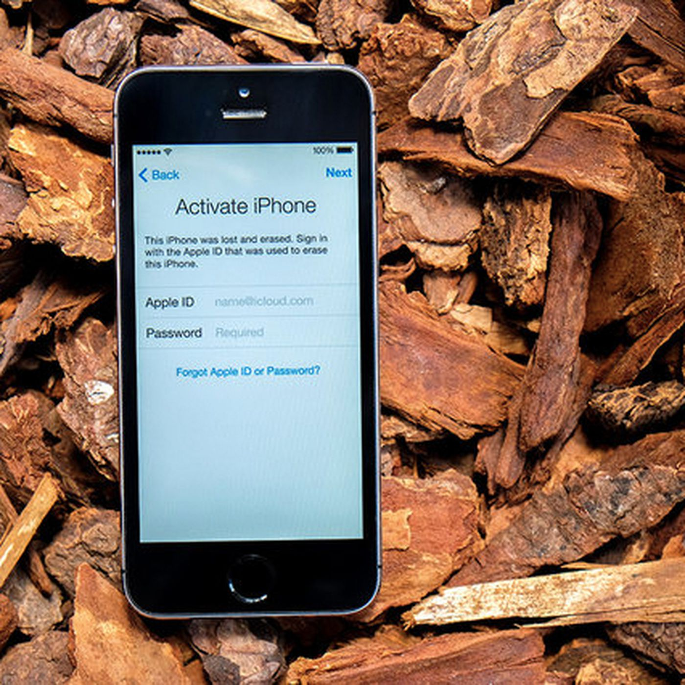 Apple's iPhone lock stops thieves, but has unintended