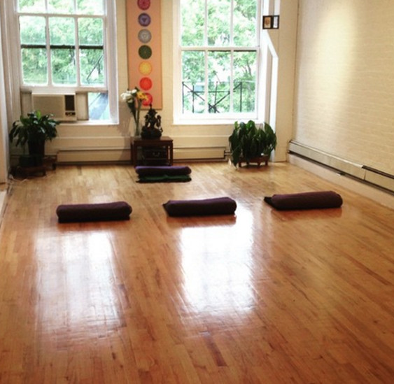 Where to Do Yoga for Cheap in NYC - Racked NY
