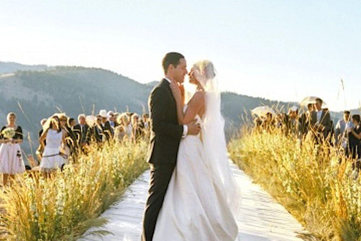 """Image via <a href=""""http://www.marthastewartweddings.com/353012/kate-michael-rehearsal/@center/272446/real-weddings#353021"""">Martha Stewart Weddings</a>"""